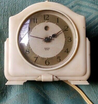 Vintage Smiths Sectric Cream Bakelite Electric Alarm Clock Stage Prop