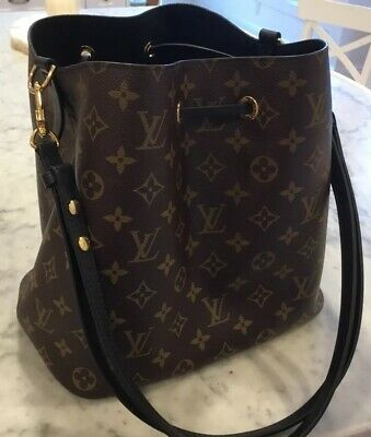Authentic! Louis  Vuitton NeoNoe Black Monogram Shoulder/Crossbody Bag