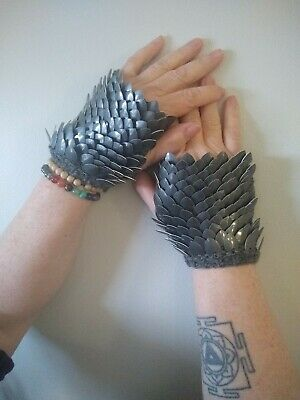dragon scale gloves, silver, handmade, wool and aluminum,size ladies medium