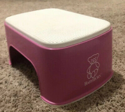BABY BJORN Step Stool Keeps the Child Safely Standing, Even With Wet Feet, Pink