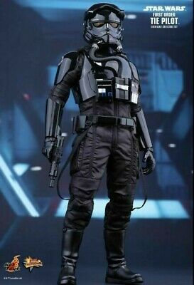 Hot Toys Star Wars The Force Awakens TIE Pilot 1/6 Action Figure MMS324