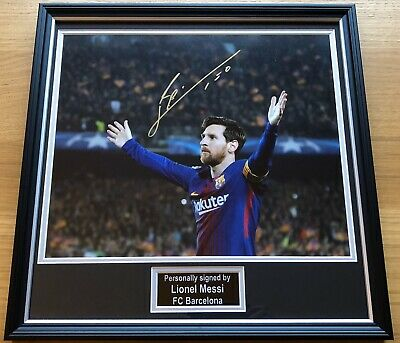 LIONEL MESSI Unique Hand Signed Barcelona Framed Football Photo Display & COA
