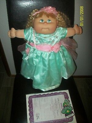 CABBAGE PATCH KID DOLL  TRU DOLLS  2003 girl complete as seen 25th anniversary