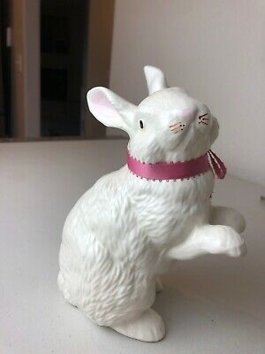 """VINTAGE BUNNY RABBIT~CERAMIC~EASTER~SPRING~7.5""""TALL~ STUNNING PIECE!! Detailed"""