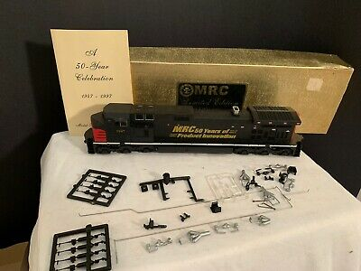 MRC 50th LIMITED EDITION HO SCALE ATHEARN DASH 9 DIESEL LOCOMOTIVE