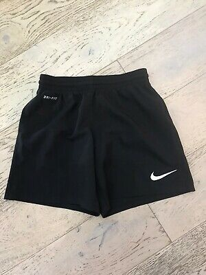 New Boys /Girls Black Nike Drifit Fitness Running Football Shorts Age 6-8 Years