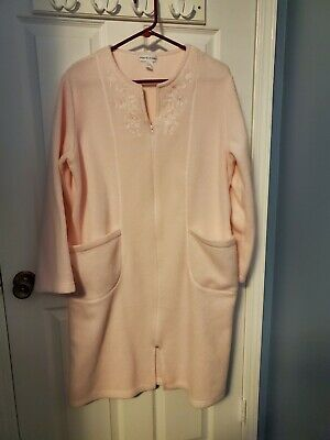 Miss Elaine Size Large Pink Soft Warm Long Sleeve Fleece Robe Preowned