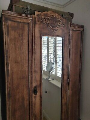 Single Door Vintage Wooden Wardrobe With Mirror