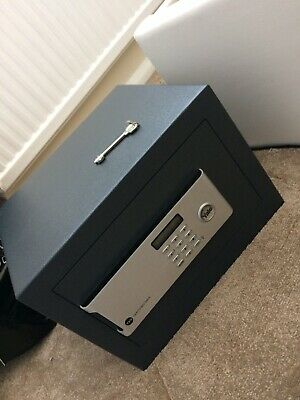 Yale Home Certified Safe -YSM/250/EG1 GREAT CONDITION