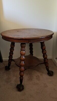 """Antique solid oak  claw foot table 28"""" diameter"""
