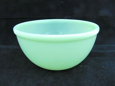 """VINTAGE Fire King Jadite 7"""" Green Milk Glass Bead Mixing Bowl Oven Ware"""
