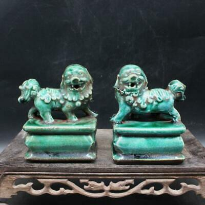 Collect China Green Glaze Porcelain Hand-Carved A Pair Lion Noble Decorat Statue