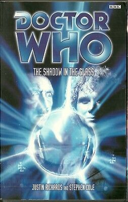 OOP  Paperback Book - DOCTOR WHO - SHADOW IN THE GLASS - Justin Richards - BBC