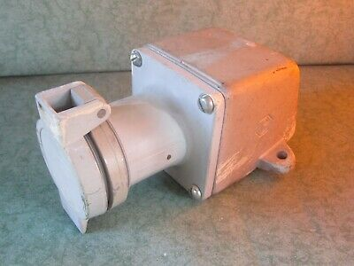 Crouse Hinds Receptacle AR631 M72 60A 3W 3P 250 Vdc 600 Vac With ARE46 Condulet