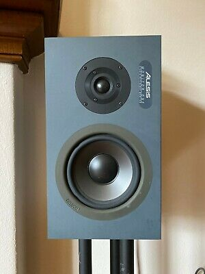 Alessis Monitor One, Studio Reference Monitor, Speakers, plus stands and cables