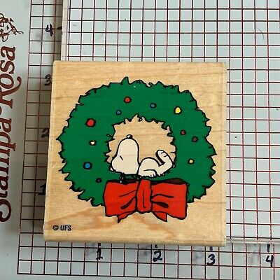 Snoopy Christmas Rubber Stamp - A439C Holiday Snoopy In Wreath