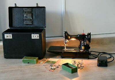Singer 222k EJ Machine à coudre transportable 1953 Featherweight sewing machine