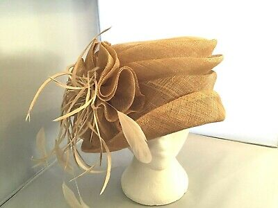 Ladies Beige Hat Weddings/Races/Occasions By Medici Good Condition & Classy