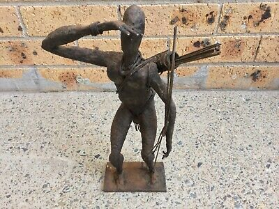 Statue Of A Warrior African Hunter - Cast Iron - Initialed J.t - Height 37.70 Cm
