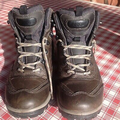 Women's nearly new grey leather walking / hiking Ecco boots size 6