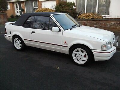 1990 FORD ESCORT MK4 1600 XR3i CONVERTIBLE IN WHITE