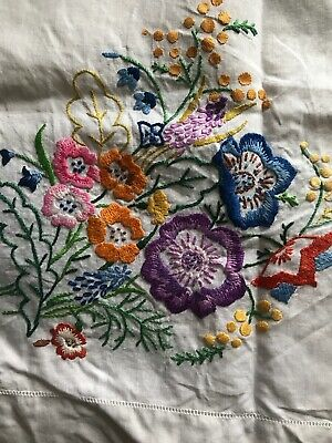 vintage hand embroidered tablecloth Linen Approx 43 X 41 Inches