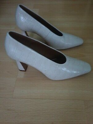 & Other Stories Croc Embossed Flared Heel Pumps Size 6