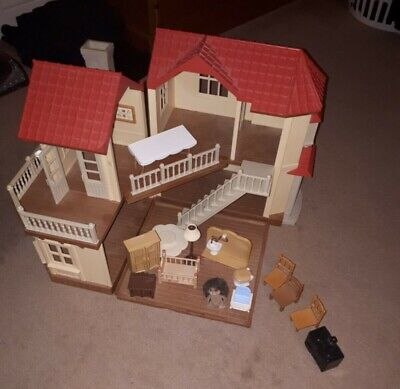 Sylvanian Families Beechwood Hall Dolls House 4531 including some furniture