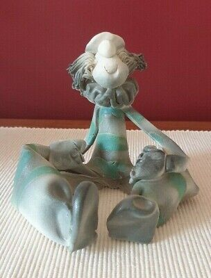 Handmade Ceramic Sitting Clown Home Decor 18cms x 15cms x 17cms Brand New