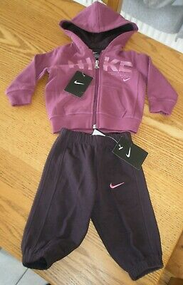 New - Girls Nike Track Suit Age 3-6 Months Bnwt