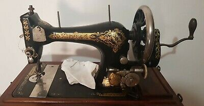 Singer sewing machine Model 28 H series working 1906 wooden case + accesories