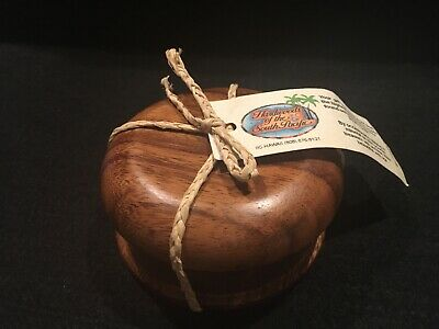 Hawaii Wooden Button/Jewelry Box Small Handcarved Wood Box Hawaii Souvenir New