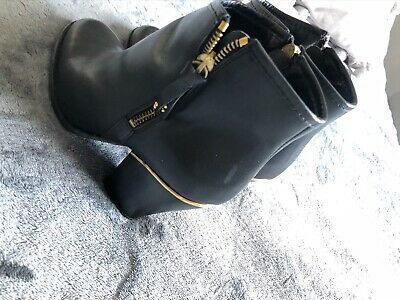 River Island Size 5 Boots
