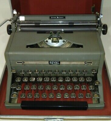 ROYAL Quiet De Luxe 1949 Touch Control Portable Typewriter w/CASE  Working