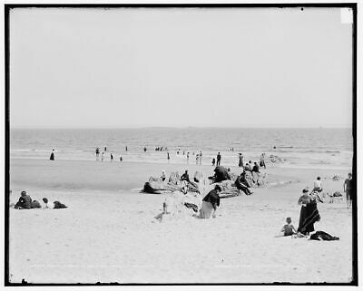 1904 Photo of Beach in front of Sea Foam House, Old Orchard, Me.