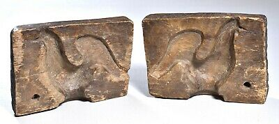 Good early carved European double sided butter mold, stylized rooster