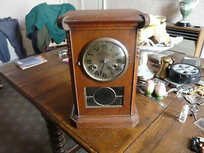 Antique / vintage oak eight day chiming mantle clock