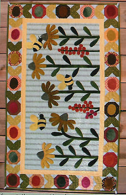 Gardening Bees quilt pattern by Suzanne's Art House