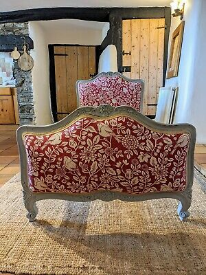 Gorgeous painted French Antique Louis XV Gustavian Style compact Single  Bed