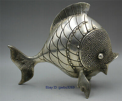 Collection Beautifully Chinese old Tibet silver Hand carved Fish statue z01