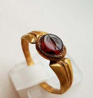 Ancient Roman Pure Gold Ring - Decorated With Red Carnelian Intaglio