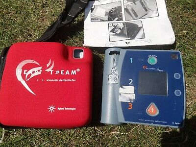 Defibrillator  With Carry Case-- Heart Stream Automatic