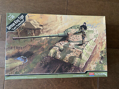New Tooling Academy 13229 1:35 German King Tiger /'Late Production/' Model Kit