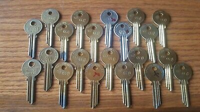 Lot of 21 Y3 YALE CURTIS KEY BLANK Locksmith L74