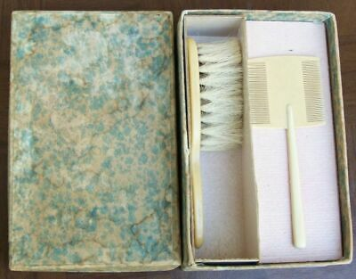 Vintage Infant Brush And Comb Set In Box Really Cute Set!!!!!!!!!!!!!!!!!!!!!!!!