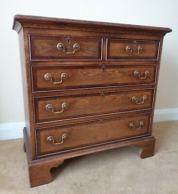 A Bryn Hall Antique Style Crossbanded Oak Chest Of Drawers