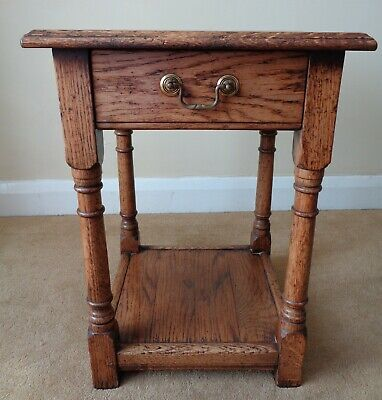 Bryn Hall Light Oak Side Table / Bedside Table / Occasional Table Antique Style