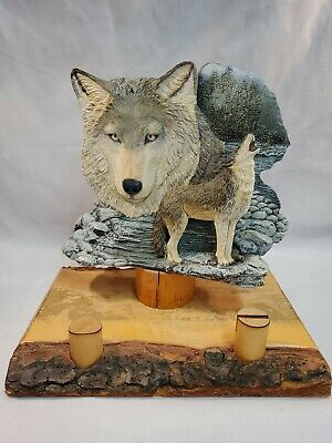 Howling Wolf On Rocks 3D  Figurine  Statue Resin Wood Bark Stand