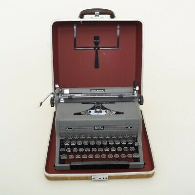 """Vintage Working Royal De Luxe Typewriter w/ Case Excellent Grey Portable 13"""""""
