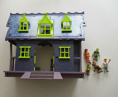 Scooby Doo Mystery Mansion & Figures